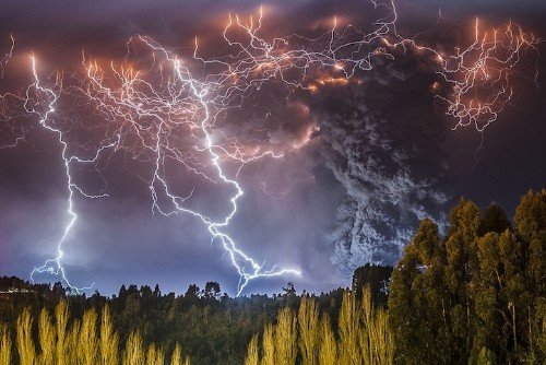 Spectacular Photos of a Powerful Volcano Erupting in Chile