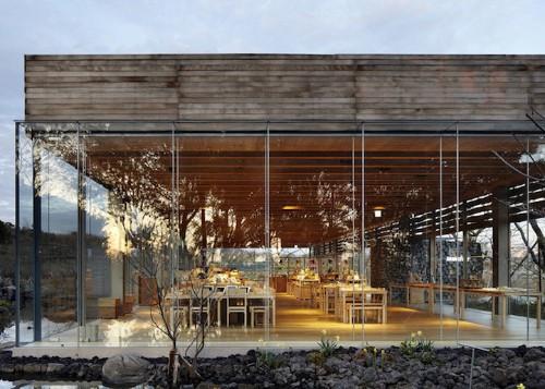 Glass Pavilions Celebrate Korea's Traditional Tea Culture