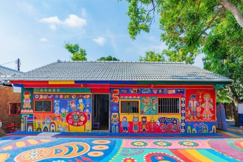 97-Year-Old Grandpa Saves Village by Painting Buildings with Colorful Art