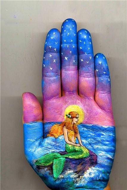 Artist Uses Own Hand as Canvas for Fairy Tale Illustrations