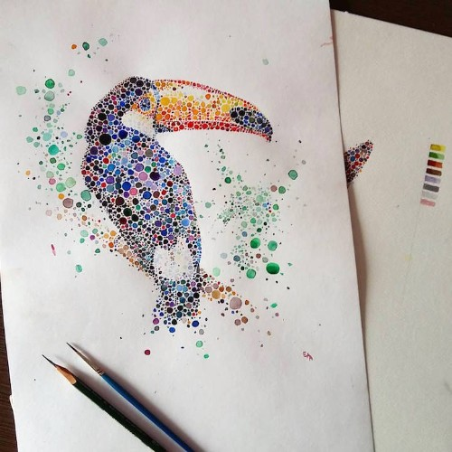 Majestic Animals Envisioned as Hundreds of Multicolored Dots