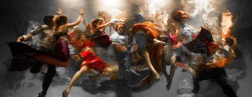 Dynamic Underwater Photos Look Like Dramatic Baroque Paintings