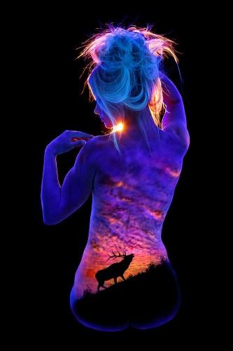 Stunning Body Paintings Glow under Black Lights