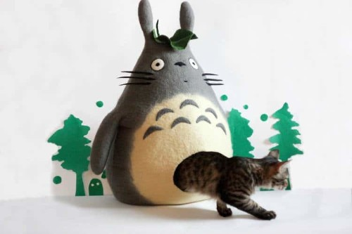 These Quirky Handmade Cat Houses Give Kitties a Cozy Place to Doze Off