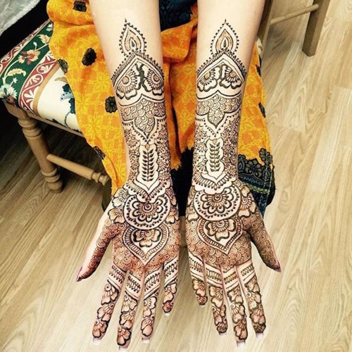 15 Gorgeously Designed Henna Tattoos with Unbelievably Intricate Patterns
