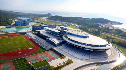 Millionaire Star Trek Fan Creates the World's First USS Enterprise Building