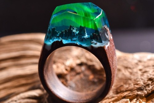Luminous Resin and Wood Rings Offer a Glimmering Glimpse of the Northern Lights