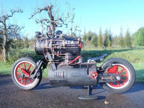 Custom Steam Engine-Powered Motorcycle Looks Straight out of a Sci-Fi Fantasy