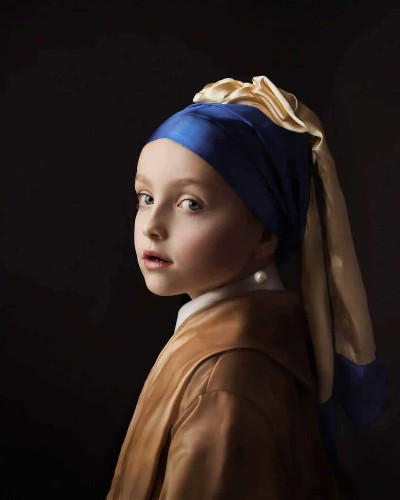 Photographer Shoots Exquisite Portraits to Look Exactly Like Old Masters' Oil Paintings