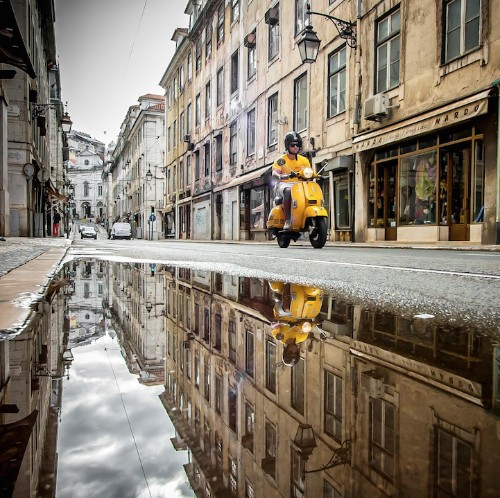 Stunning Puddle Reflections Add Magic to Everyday Scenes