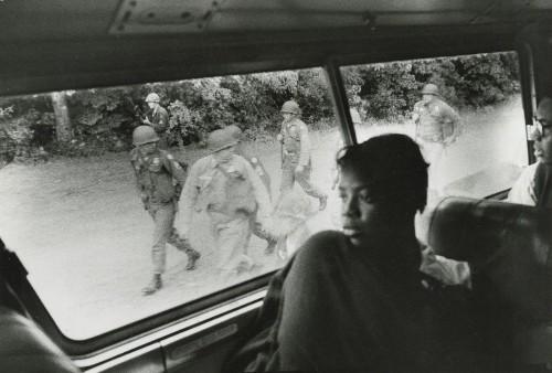 Fotografías históricas de grupos marginados en la década de 1950