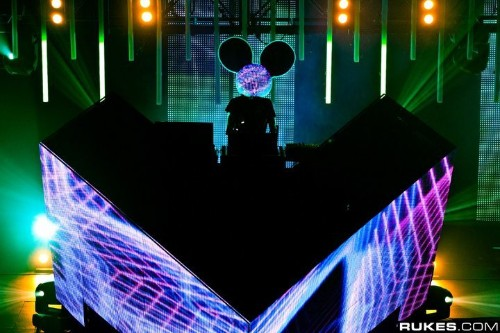 Deadmau5's Incredible Concert Photography (15 photos)
