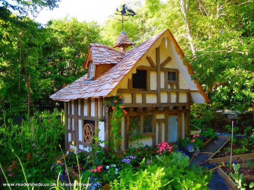"""""""Shed of the Year"""" Competition Showcases Big Creativity Packed into Small Spaces"""