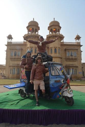 Adventurous Friends Travel for 2 Weeks in India Via a Tiny 7-Horsepower Rickshaw