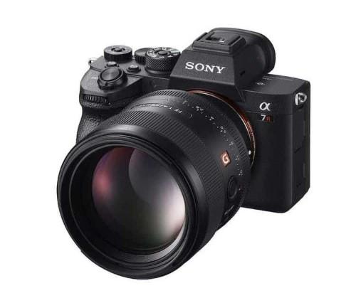 Sony's 61-Megapixel Alpha 7R IV Revolutionizes Full Frame Cameras
