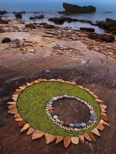 Stunning Circular Land Art Made of Rocks and Leaves