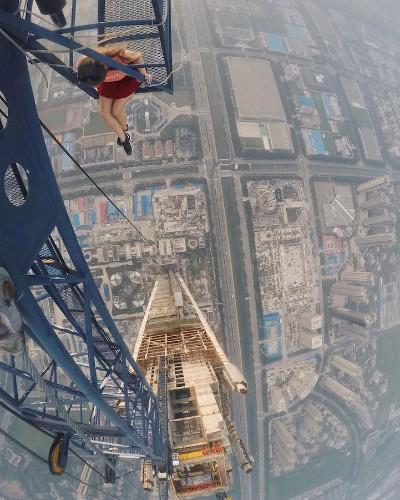 Daredevil Photographer Takes World's Riskiest Instagram Photos