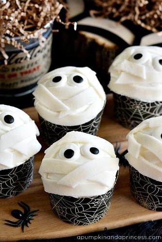 21 Creative Halloween Treats You Can Make Yourself