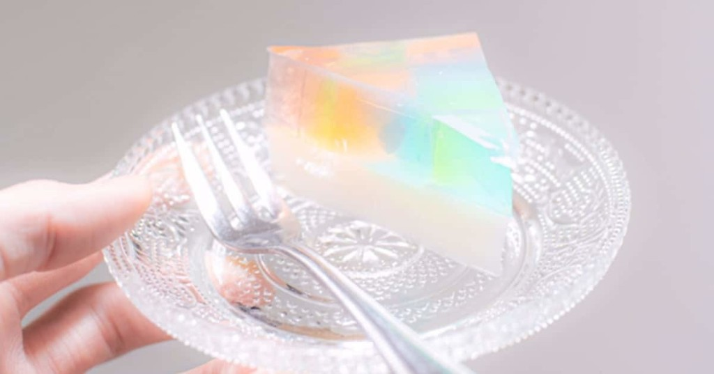 Japanese Chef Reveals Beautiful Rainbow Gelatin Cake That's Super Easy to Make at Home