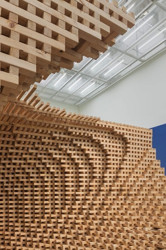 Complex Wooden Structure Composed of 9,076 Pieces