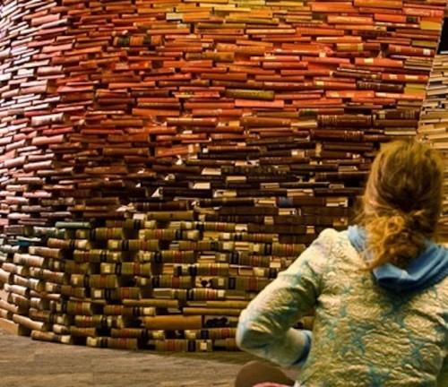 10,000 Books Create a Painting-Like Nature Scene