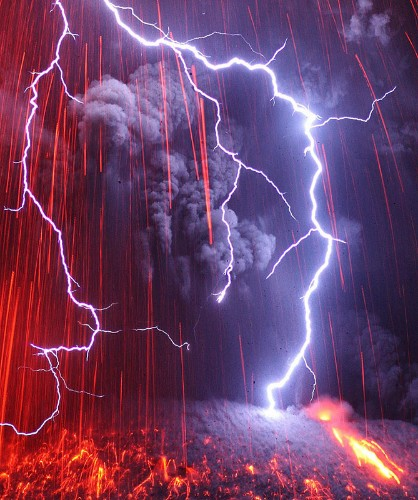 Phenomenal Photos of Japan's Recent Volcano Eruption