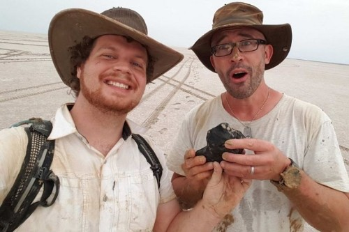 """Meteorite """"Older Than Earth Itself"""" Discovered in Australian Outback"""