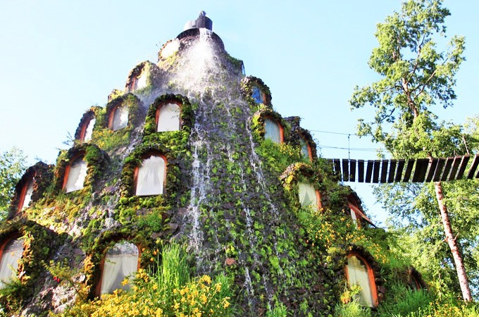Water Mystically Flows from the Peak of this Lush Patagonia Lodge