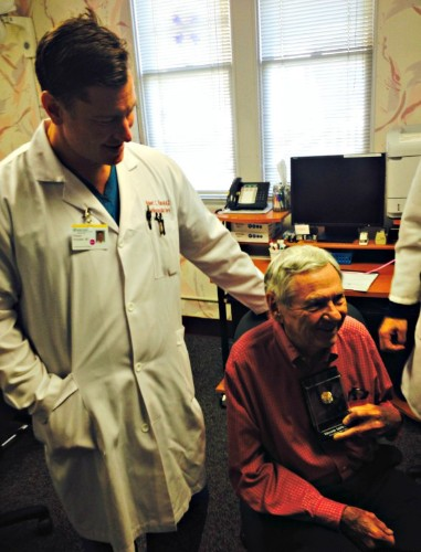 Surgeon Performs Life-Saving Operation on the Obstetrician Who Delivered Him 45 Years Ago