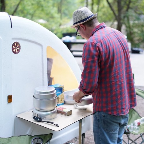 Collapsible Camper Hitches to Bicycle for Convenient Eco-Friendly Mobility