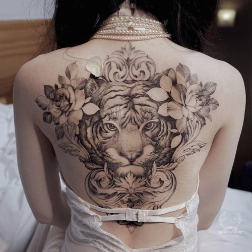 Artist Creates Fine Line Tattoos Surging With Themes of Feminine Power and Fertility
