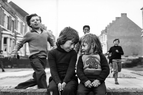 Daughter Archives Mother's Photos of Poverty-Stricken 1980s England