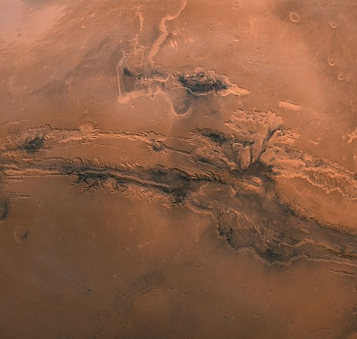 NASA's Photo Shows Mars' Grand Canyon in Spectacular Detail
