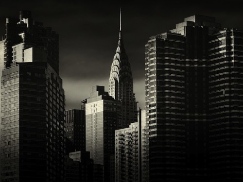 Dynamic Black and White Photos Capture Dramatic Light in NYC