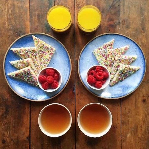 Lovestruck Boyfriend Makes Symmetrical Meals for Breakfast with His Partner Every Day