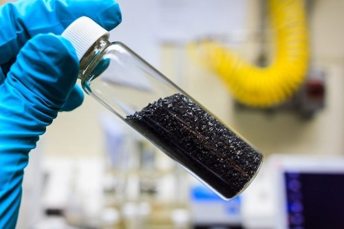 Scientists Discover Way to Transform CO2 into Coal at Room Temperature