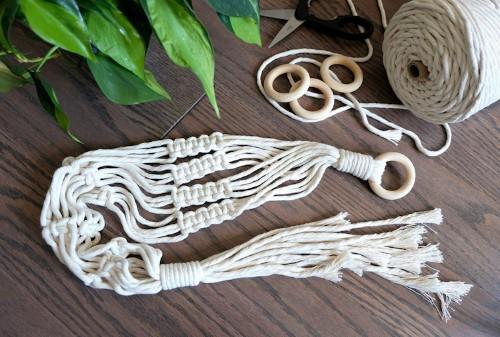 Modern Macramé: How an Ancient Fiber Art Has Resurfaced as a Beautiful Craft
