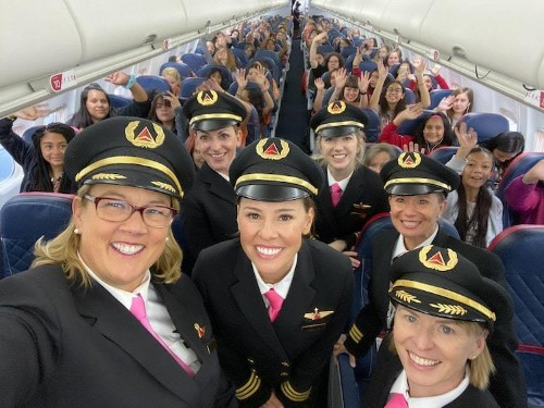 Flight Operated Entirely by Women Flies 120 Young Girls to NASA