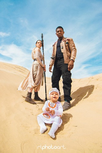 Couple and Their Baby Create Epic Star Wars-Inspired Photo Shoot