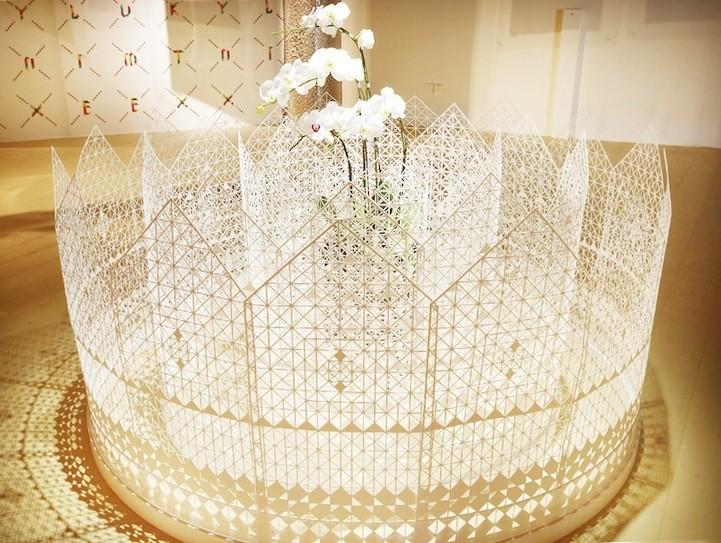 Elaborate Paper Design Forms Gorgeous Garden Fence