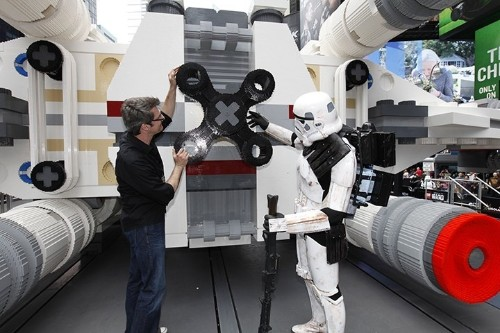 5,335,200 Pieces Form World's Largest LEGO Star Wars Ship