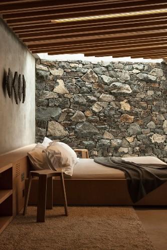 Modern Seascape Cottage Nestled in Rock Escarpment Offers Relaxing Oceanviews