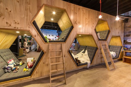 Colombian Bookstore's Design Changes as You Explore Its Interior