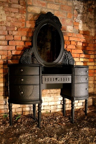 Gorgeous Baroque Dressing Table Created by Wood Burning