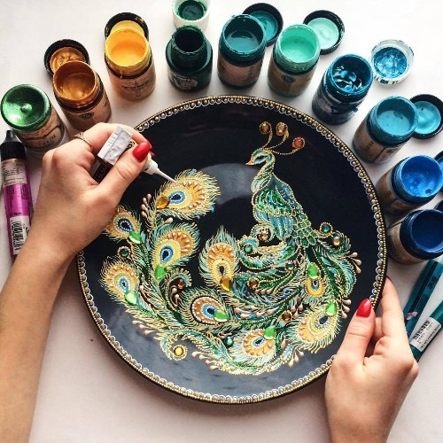 Intricately Detailed Plates Made With Hundreds of Tiny Painted Dots
