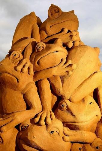 Intricate Sand Sculpture Scenes by Susanne Ruseler