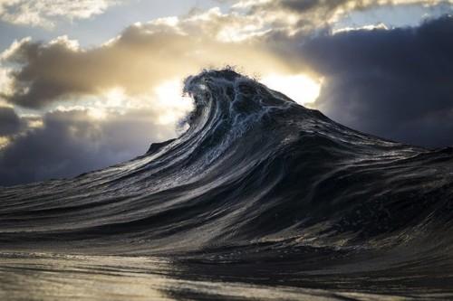 Colorblind Coal Miner Captures Breathtaking Seascapes in Australia