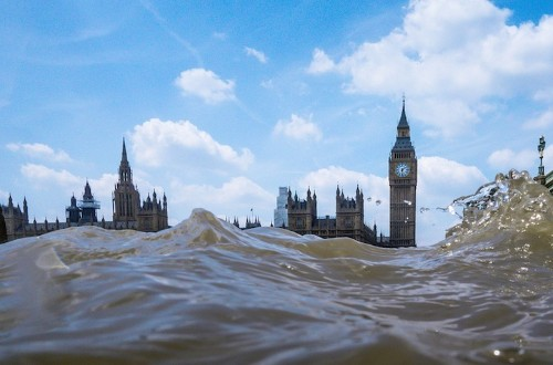 London Landmarks Look Like They're Submerged in Water