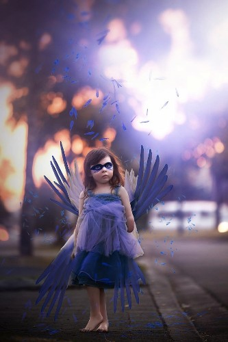 Mother and One-Handed Daughter Create Inspiring Photo Series