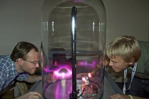 NASA Scientist Recreates Aurora Borealis in a Glass Dome